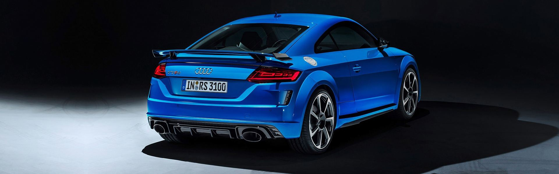 2021 RS 3 Lifestyle Image